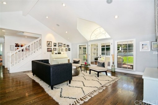 calvin-living-room